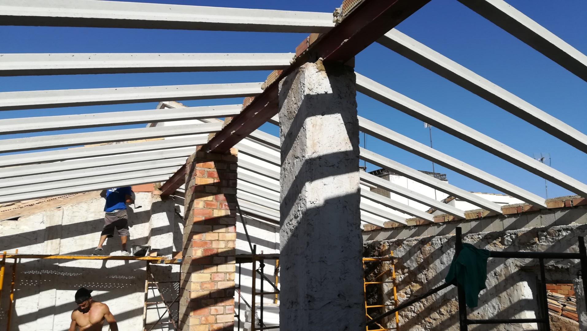 Rehabillitación de vivienda entre medianeras. El Verger (Alicante)
